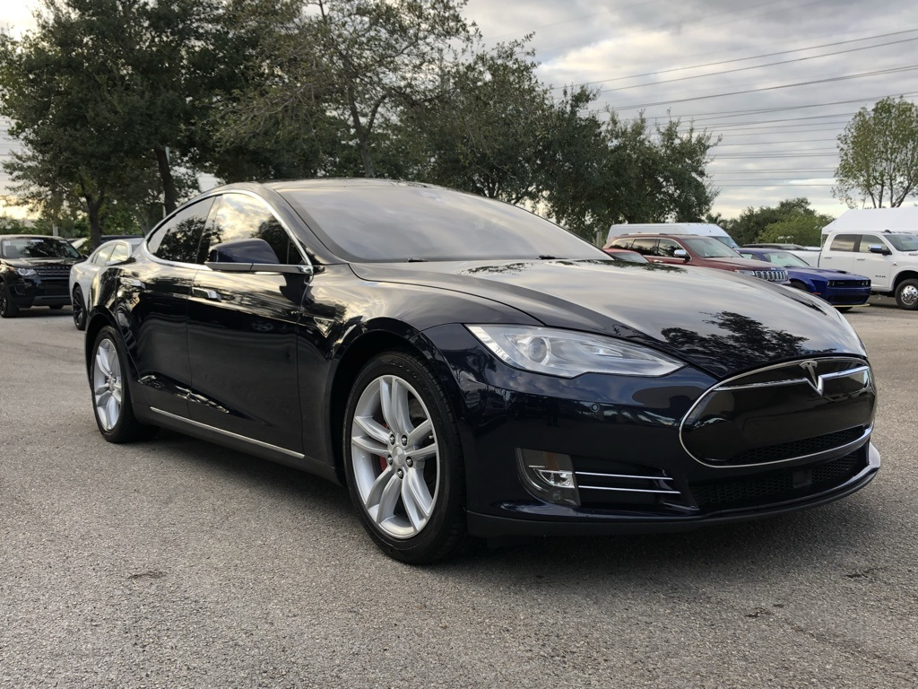 Pre-Owned 2014 Tesla Model S Base